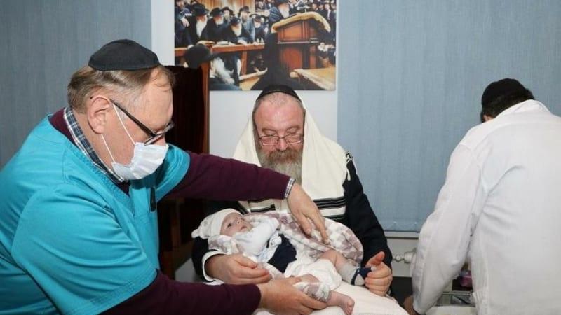 Две брит-милы в еврейской общине Днепра