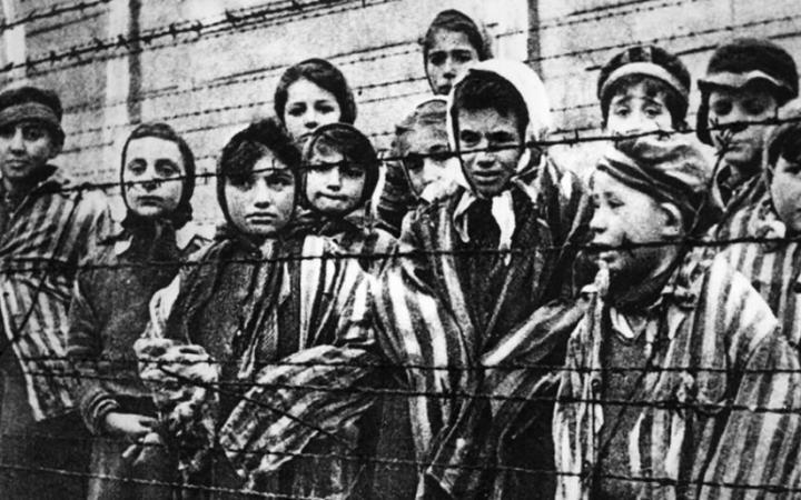 Меир Левин   День Холокоста