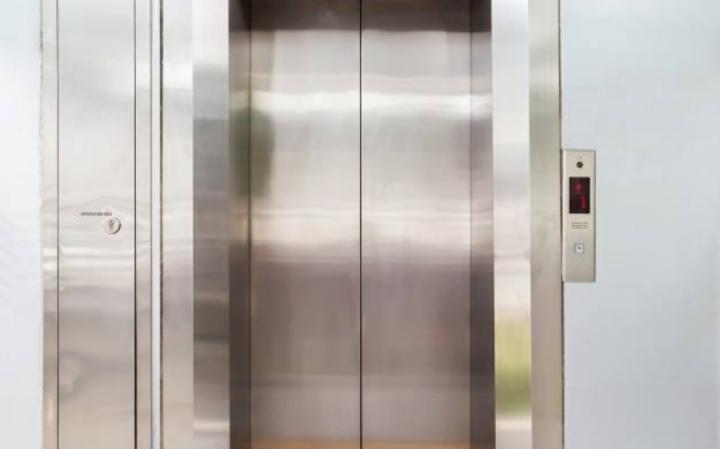 Шаббат: Проблема пользования лифтом
