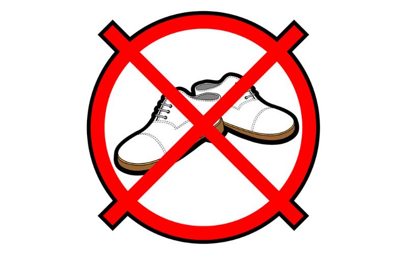 Без обуви