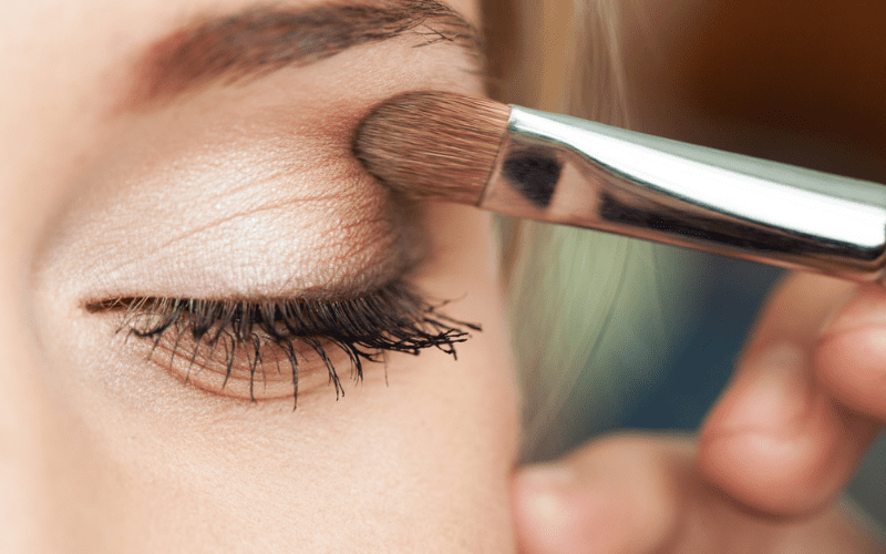Краситься или нет? |«Шабатний макияж» — разрешено ли использовать в Шабат или Йом Тов?
