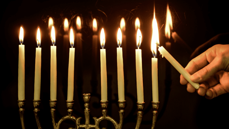Ханука | Мы уверены, что нам нужен Шамаш (свеча-служка)?