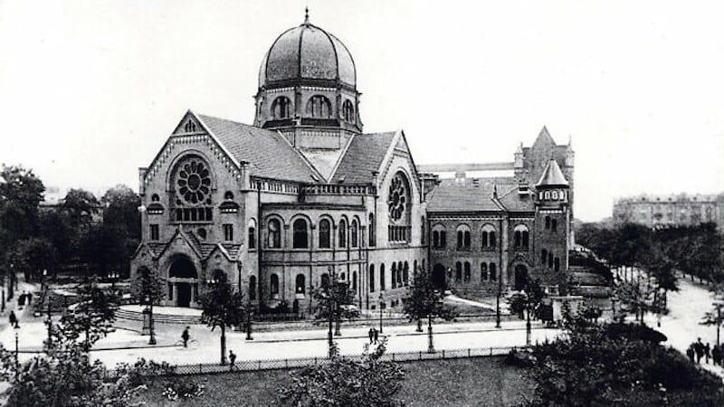 Реконструкция сожженой в «Хрустальную ночь» синагоги расколола еврейскую общину Гамбурга